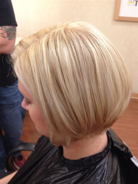 blonde highlights with caramel lowlights bob with highlights and lowlights short hairstyle 2013