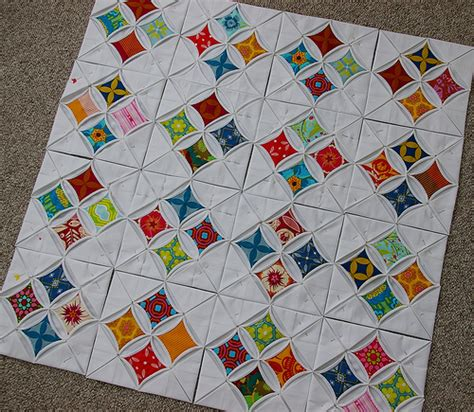 Cathedral Window Patchwork Tutorial - cathedral windows quilt 4 x 4 the quilt has now doubled