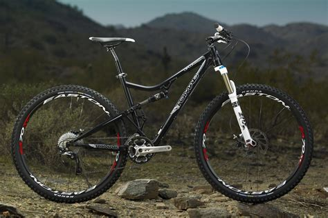 mountain bike tomac unveils diplomat 29er and carbon supermatic 120