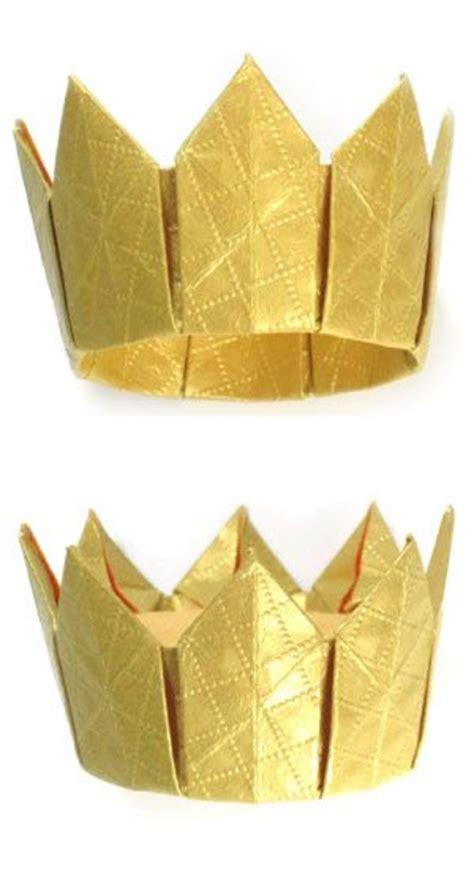 How To Fold A Paper Crown - couronnes des rois pour l epiphanie sakarton