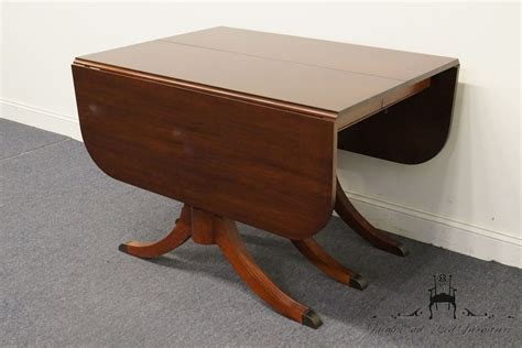 Duncan Phyfe Dining Tables Vintage Duncan Phyfe Mahogany Drop Leaf Pedestal Dining Table Ebay
