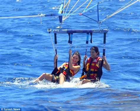 speed boat while pregnant katching my i kendall jenner wears a life jacket over her