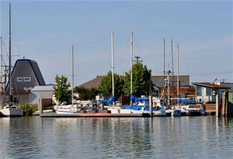 boat slip bay area channel in the richmond harbor bay area marina slips