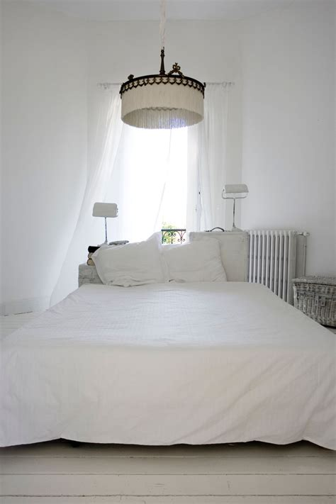 all white bed designtripper