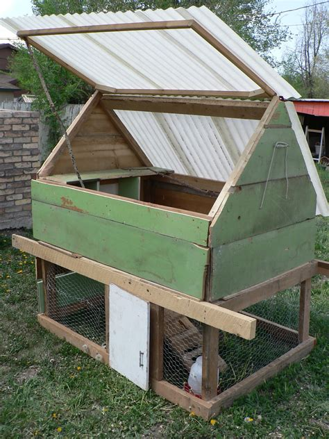 Chicken Hutch Design How To Build A Cheap Chicken Coop Plans Plans Diy Free