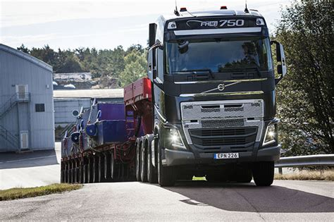 volvo new truck 2016 volvo trucks launches i shift with crawler gears fleetwatch