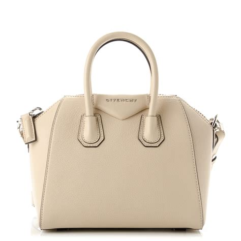 Givency Antigona Mini givenchy sugar goatskin mini antigona beige buff 177694