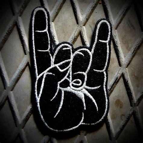 heavy metal isareti tshirt krali