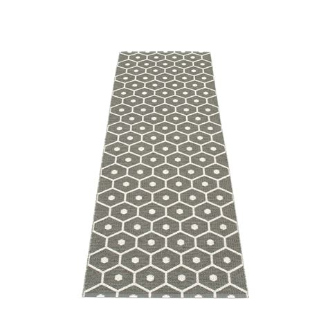 teppich pvc honey plastic rug 70 cm wide charcoal 183 vanilla pappelina