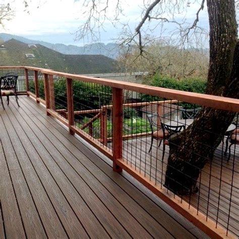 Hog Panel Deck Railing by 4x4 Mesh Level Rail Panels By Hog Railing Decksdirect