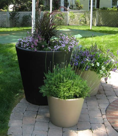 Pots In Gardens Ideas Unique Outdoor Planters For Your Garden Homesfeed