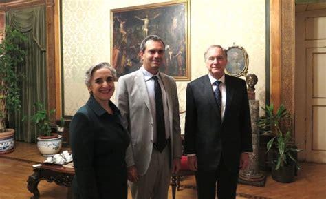 consolato colombiano in italia il nuovo ambasciatore usa per la prima volta a napoli