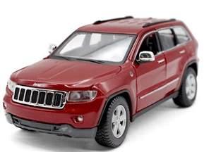 white 1 24 scale maisto diecast jeep grand