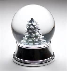 snow globes snow globe lovetoknow