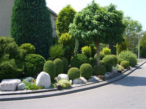 Beet Mit Buchsbaum Gestalten by 27 Ideen F 252 R Gartengestaltung Im Fr 252 Hling Buchsbaum Schneiden