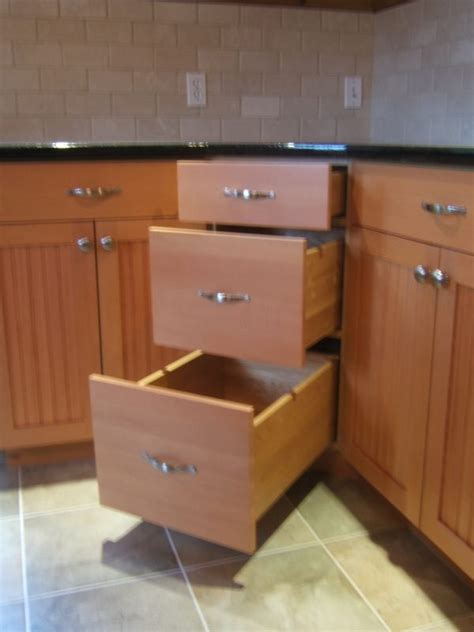 3 Drawer Kitchen Cabinet by Charming Base Corner Cabinets With 3 Drawer Corner Base