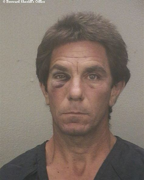 Landscaper Arrested Fort Lauderdale Accused Of Stealing Sod From S