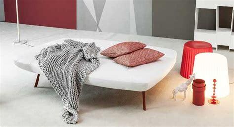 poltrona diventa letto il divano si trasforma diventa letto e poi di nuovo