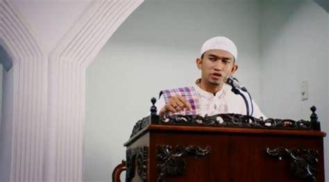 film indonesia ustad jefri hijrah cinta kisah cinta ustad uje dan umi pipik jadi