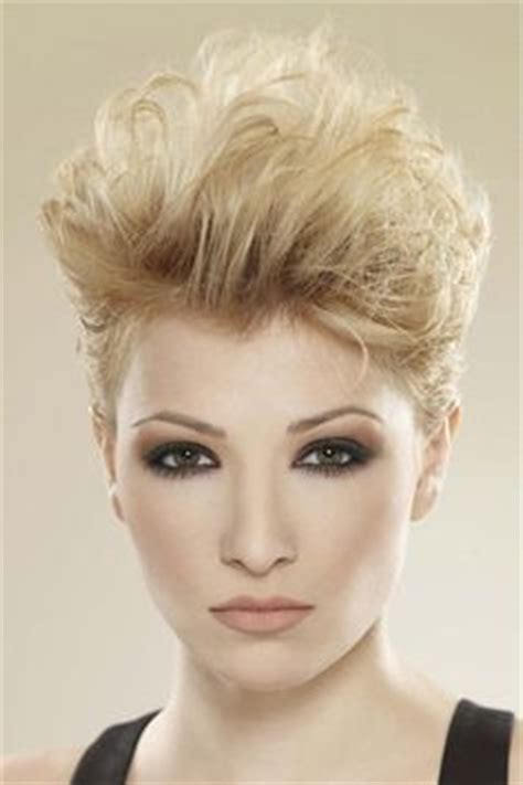 pixie and short crops 1980s 1990s hair styles 1000 images about short hairstyles for women on pinterest