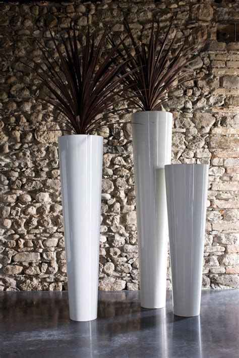 vasi de castelli arredo outdoor vasi e fioriere 4 donne per l architettura