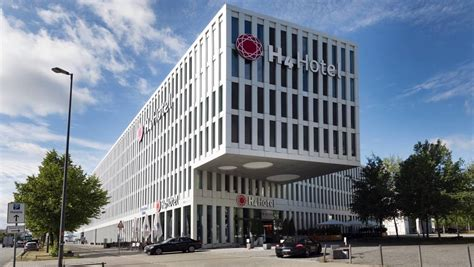 munich messe facilities and information h4 hotel m 252 nchen messe