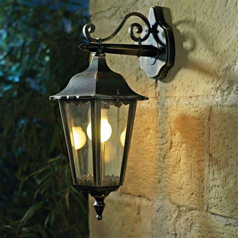 Charmant Salon De Jardin Castorama #5: lanterne-de-jardin-1286975543.jpg