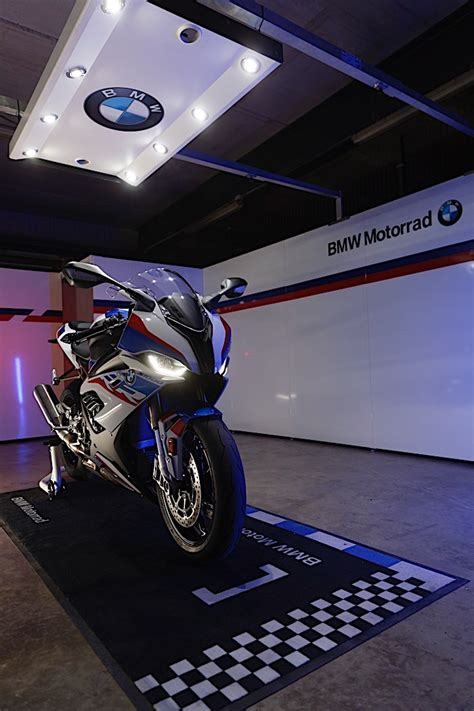 Bmw Rr 2020 by 2020 Bmw S 1000 Rr Revealed With New Engine And M