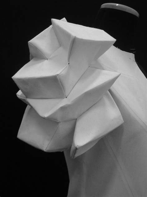 Origami Sleeves - the strapless cookie origami fashion