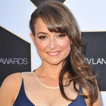 commercial actress salary milana vayntrub s net worth and salary know her net worth