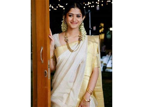 hairstyles in kerala saree 10 gajra hairstyles to try on kerala kasavu sarees this