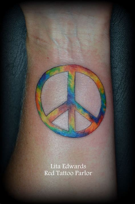 peace sign tattoos best 25 peace sign tattoos ideas on hippie
