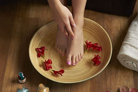 Date Interlude Physical Therapy For The Toe by To Toe Reviver Interlude Spa