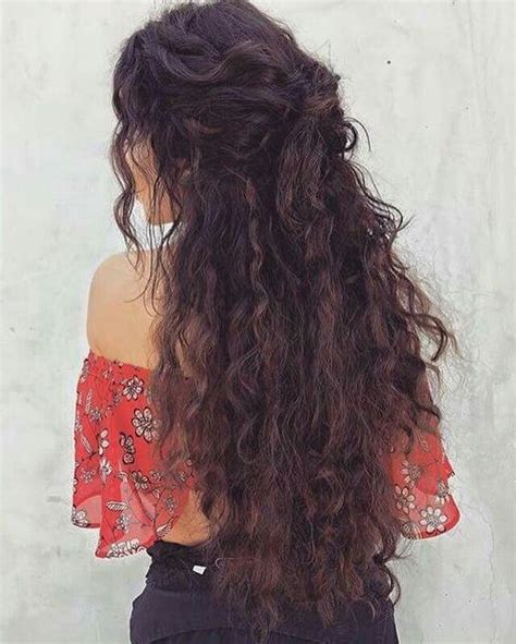 Hairstyles For Curly Hair Easy by 11 Curly Hairstyles For Beautiful Easy