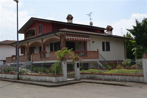 in vendita cesa casa borgonovo val tidone appartamenti e in vendita