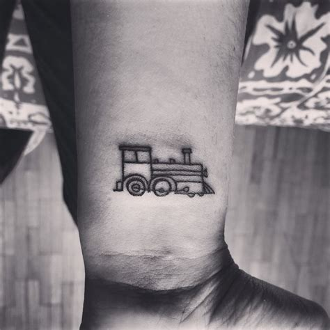17 simple train tattoo