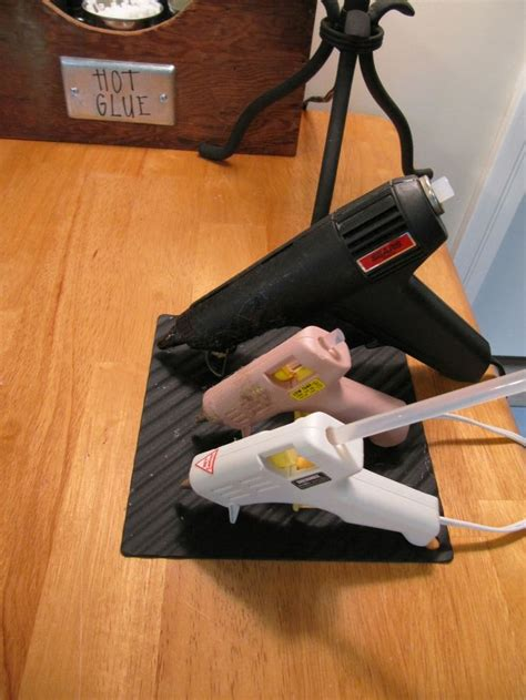 Silicone Gun Tebal Soligen silicone oven pad protects surfaces keeps the glue guns from sliding of the table