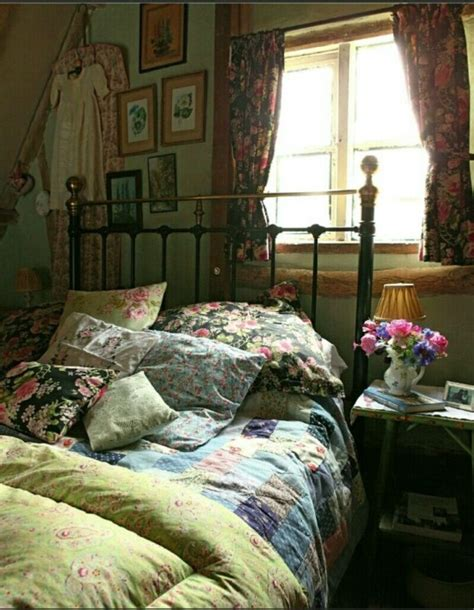 country cottage bedroom 31 sweet vintage bedroom d 233 cor ideas to get inspired