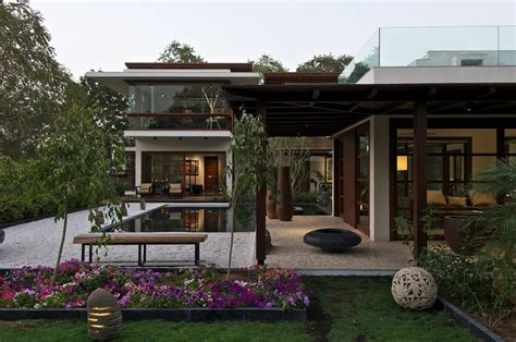 home courtyard courtyard house by hiren patel architects architecture design