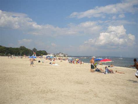 ocean beach ct a view looking down the beach picture of ocean beach