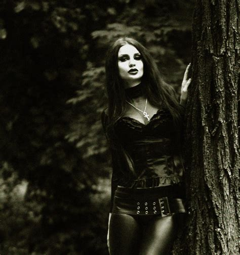 imagenes goticas metal black dark girl goth gothic metal image 98681 on