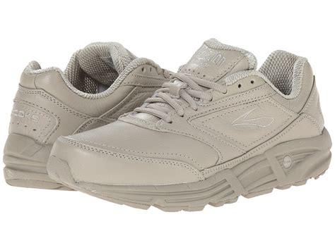 athletic shoes for heel spurs best shoes for heel spurs or calcaneal spurs