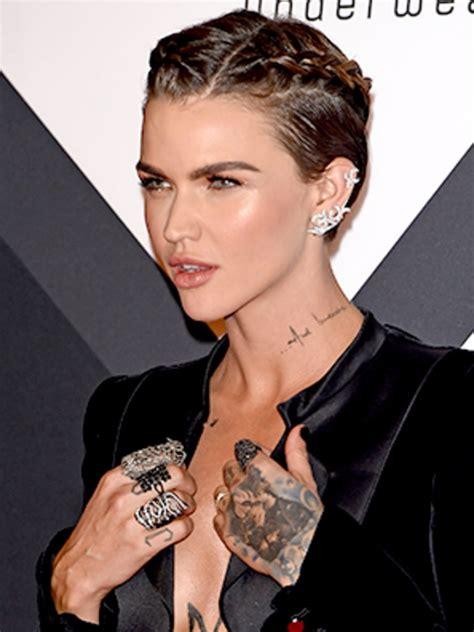how to do ruby roses haircut ruby rose proves that it s totally possible to french
