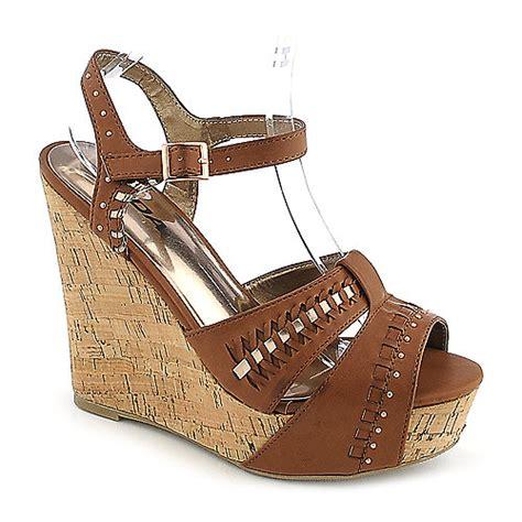soda trant s casual platform wedge shoe