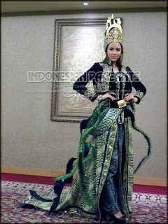 Kebaya Rorojonggrang Hitam nadine ames and reisa kartikasari fitting costume for batik carnival pageants