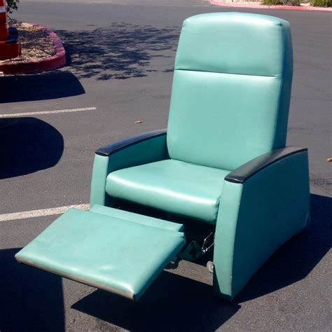 teal recliner letgo teal leather recliner in winchester nv