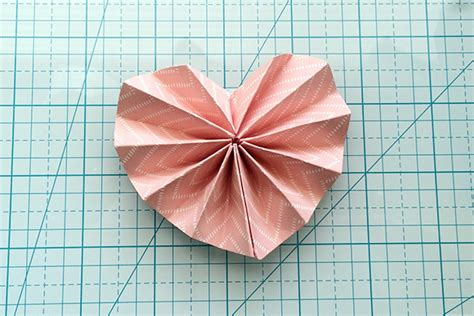 Folded Paper Hearts - aly dosdall folded paper hearts tutorial