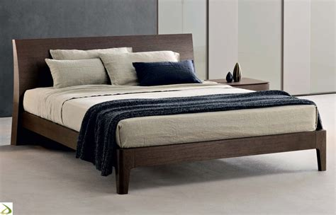 da letto in legno letto matrimoniale in legno maffio arredo design
