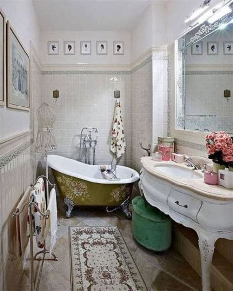 Vintage Bathroom Design Keeping It Classic Dig This Design Antique Bathroom Decorating Ideas
