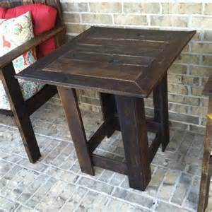 Pallet wood sofa side table stained pallet side table diy chic pallet
